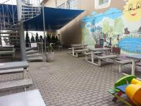 UnO - venkovní terasa s dětským hřištěm 3